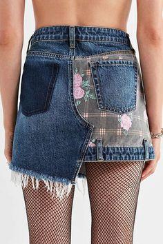 Slide View: 2: BDG Floral Patchwork Denim Mini Skirt