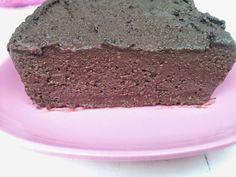 Pastel de chocolate y sémola de trigo http://ariadnagarciabermudez.blogspot.com.es/2014/07/pastel-de-chocolate-y-semola-de-trigo.html