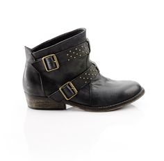 biker boots, wear with black skinny pants and oversized chunky sweater.