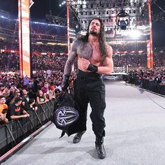 WWE WrestleMania 31 - WWE World Heavyweight Champion Brock Lesnar vs Roman Reigns. Seth Rollins cashes in his Money in the Bank contract to become the new WWE World Heavyweight Champion Le Mans, Wwe Photos, Cool Photos, Wwe Wrestlemania 31, First Spear, The Shield Wwe, World Heavyweight Championship, Wwe Tna, My Superman