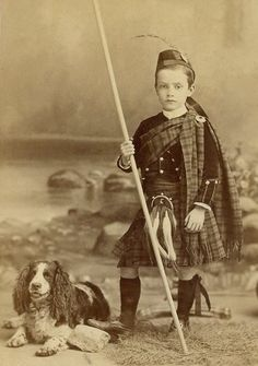 Robbie Burns in his Scottish dress ready for a walk with his spaniel Antique Photos, Vintage Photos, Old Pictures, Old Photos, Chien Springer, Edinburgh, Scottish Dress, Scottish Clothing, Post Mortem Photography