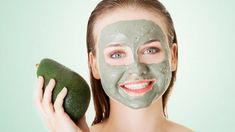 Mít krásnou a zdravou pleť vyžaduje mnohdy velké úsilí. Záleží na tom, co jíte, ale také jaké kosmetické přípravky (ne)používáte. Právě vtěch většina žen vidí řešení problémů spletí.    U kosmetiky ovšem snadno narazíte na to, že