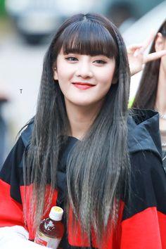 Kpop Girl Groups, Kpop Girls, Korean Girl Groups, Girl With Hat, My Girl, K Pop, Kpop Hair, Hair Streaks, Fandoms