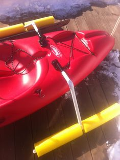 DIY Kayak Carrier With Pool Noodles # . 10 Pool Noodle Hacks That Are Perfect For The Cottage . How To Load Two Hobie Kayaks On Roof Racks With Pictures . Kayak Camping, Canoe And Kayak, Kayak Fishing, Fishing Tips, Canoe Boat, Bass Boat, Camping List, Kayak Roof Rack, Kayak Storage
