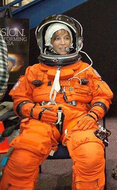 Lisa Nowak during astronaut training in Astronauts In Space, Nasa Astronauts, Nasa Space Pictures, Nasa Space Program, Armor Clothing, Space Girl, Space And Astronomy, Space Station, Space Shuttle
