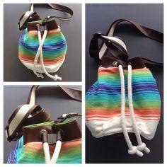 Descripción: bolso mochila Color: azul, verde, naranja Medidas: 40cm x35cm  Material: algodón y cuero sintético