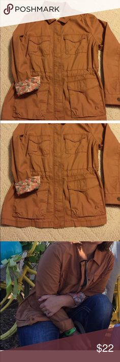 Camel Old Navy Utility Jacket Reposh- the jacket ended up fitting too big. In perfect condition. Old Navy Jackets & Coats Utility Jackets
