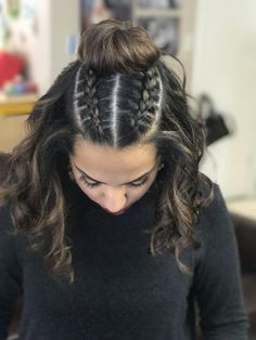 A twist on the man bun, ladies rock this too Beachy hairstyles is part of braids - Top knot braids! A twist on the man bun, ladies rock this too Beachy hairstyles… braidshairstyles Previous Post Next Post Medium Hair Styles, Curly Hair Styles, Natural Hair Styles, Beachy Hair Styles, Hair Styles Teens, Hair Styles For Prom, Updo Styles, Cute Bun Hairstyles, Rock Hairstyles