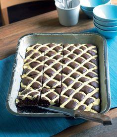 """Prošívaná deka - Czech """"quilted blanket"""" cake - chocolate and vanilla. Slovak Recipes, Czech Recipes, Pastry Recipes, Cupcake Recipes, Cupcake Cakes, Dessert Recipes, Czech Desserts, Chocolate Desserts, Cake Chocolate"""