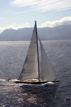 Lionheart © Ed Holt :: Image :: J Class Yachts Association Sailing Yachts, Sailing Ships, J Class Yacht, Classic Sailing, Sail Away, Boat Plans, Racing, Adventure, Building
