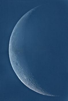 Crescent Moon 25 August 2011 •