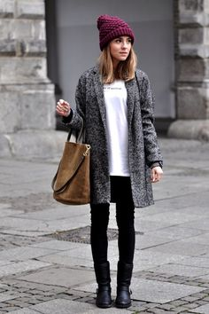 Casual look ideas 2016. Grey coat, white top, bag and black pants.