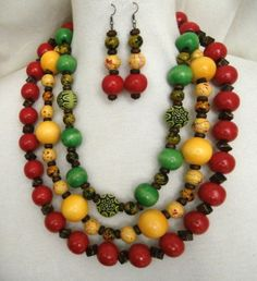 ETHNIC INSPIRED: WOMENS RASTA RED YELLOW GREEN 21 NECKLACE 7.5cm EARRINGS SET