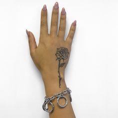 Arm Tattoos For Women Forearm, Neck Tattoos Women, Dope Tattoos For Women, Cross Tattoos For Women, Finger Tattoo For Women, Badass Tattoos, Tattoos For Females, Sexy Female Tattoos, Pretty Hand Tattoos