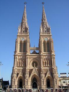 Basilica Nacional de Lujan - Buenos Aires