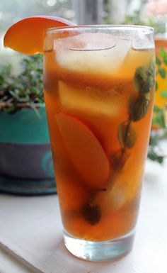 Brew Perfect Peach Iced Tea with Mint | Men's Health