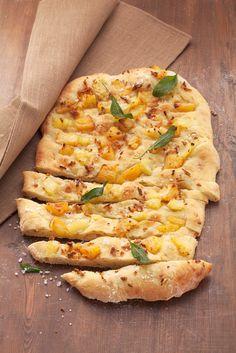 Kartoffelbrot mit Ananas | Zeit: 1 Std. | http://eatsmarter.de/rezepte/kartoffelbrot-mit-ananas