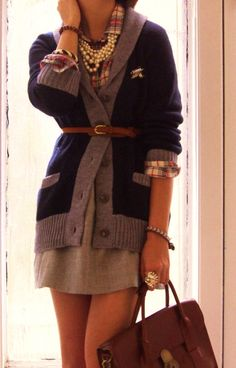 I don't know why but I love this cute preppy look! The pearls make this outfit. Preppy Mode, Preppy Style, Look Fashion, Street Fashion, Womens Fashion, Fall Fashion, Preppy Fashion, Fashion Shoes, Moda Popular