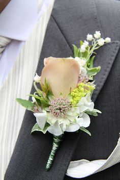 Flower Design Events: Groom's Cafe Latte Rose Boutonniere