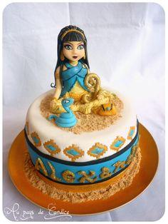 Cleo de Nile cake