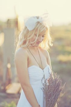 love this sweet bridal bow!