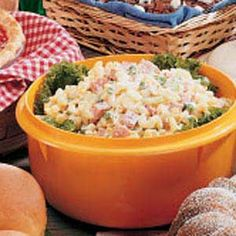 Easy Macaroni Salad ~ This hearty noodle salad is sure to please appetites of all ages...and it serves lots!  (Serves 34 !)