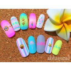WEBSTA @ alohaaya26 - new nail**今年1発目はネオンカラーにしましたネオンネイティブとネオンALOHA**#ネイル#nail#nails#nailart#aloha#shell#starfish#surf#hawaii#シェル#ヒトデ#アロハ#ネイティブ柄#サーフ#マットコート#palmtree#ヤシの木#ターコイズ