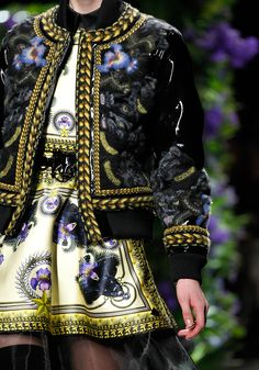 Givenchy Couture Details, Love Fashion, Fashion Details, Fashion Beauty, Fashion Design, Fashion Show, Fashion Outfits, Floral Fashion, Givenchy