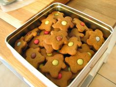 Christmas isn't Christmas unless I have made a batch or two of gingerbread men. I don't make them at any other time of the year so when I do make them for Christmas they are extra special. The recipe I am sharing I have been baking for many years and comes from my much loved […]