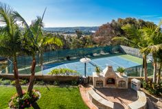 Private tennis court || Make this your home: http://coastalpremieronline.com/search.html#PropertyID=73250558