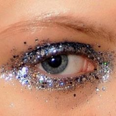 ca66b8769121 Make Glitter By Cec Lia Castro Makeup Popscreen. Wearing Creative Magenta  Makeup With Glitter F.
