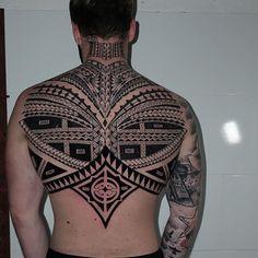 This back!! I did it some time ago @woodpecker_inksbruck  #freehand #freehandtattoo #black #blackwork #blackink #blacklines #blacktattoo #polynesiantattoo #freehandpolynesiantattoo #dildotattoostudio #tribal #tatau ##tribaltataucollective #armtattoo #alexthejem #athenstattoo #tattooart #tattooink #tattoolife #bestpolynesian #tattooworkers #tattooideas #maoritattoo  #tttism #blkttt #blacktattoo #woodpeckerinksbruck