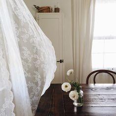 lace curtain, farmhouse table