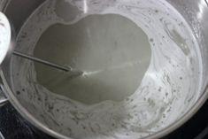 Cómo hacer un merengue perfecto paso a paso Perfect Meringue, Crescent Rolls, Flan, Macarons, Icing, Muffin, Birthday Cake, Ice Cream, Plates
