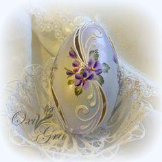Easter Egg Crafts, Bunny Crafts, Easter Eggs, Egg Shell Art, Carved Eggs, Egg Designs, Decoupage Vintage, Egg Art, Egg Decorating