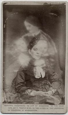 """margaret gunning's house of dreams: """"I see dead people"""": Victorian post-mortem photography Ghost Photography, Spirit Photography, Post Mortem Photography, Antique Photos, Vintage Photographs, Old Photos, Vintage Photos, Dark Side, Vintage Versace"""
