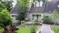 Hugh Newell Jacobsen - inspired home in Gladwyne. - mariondinofa.com