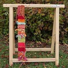 Gorgeous Wooden Vases Artist Portfolio Ideas - Welcome my homepage Weaving Projects, Diy Craft Projects, Diy Crafts, Lucet, Loom Weaving, Hand Weaving, Dreams Catcher, Diy Organisation, Yarn Bombing