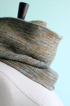 herringbone cowl - alternate colorway