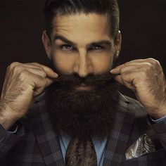 hair and beard styles Growing a full beard is not a challenge now for most men. Here are 6 Quick Ways to Grow a Fuller Beard now. Long Beard Styles, Beard Styles For Men, Hair And Beard Styles, Thick Beard, Short Beard, Moustaches, Bart Tattoo, Growing A Full Beard, Long Beards