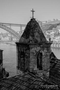 Ruínas da Capela do Sr. D'Além www.webook.pt #webookporto #porto #arquitectura Foto de M Amaro Carvalho