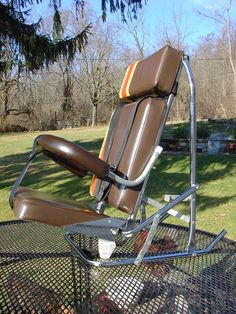 Jamy 1976 reclined