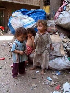 These poor babies. Poor Children, Save The Children, Precious Children, Beautiful Children, Syrian Children, Kids Around The World, We Are The World, People Of The World, Mundo Cruel
