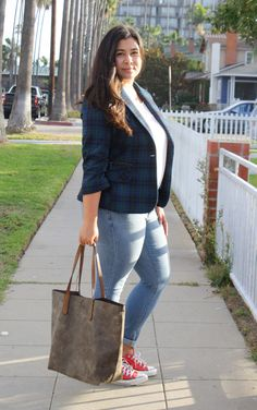 Plaid blazer and red converse outfit Red Converse Outfit, Cheap Converse Shoes, Plaid Jacket, Plaid Blazer, Chuck Taylors, Cute Outfits, Plus Size, Style Inspiration, Tote Bag