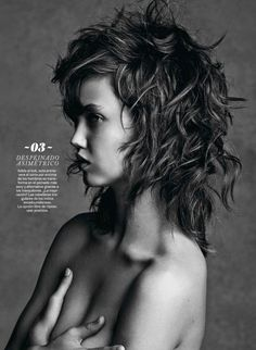 Lindsey Wixson Transforms in S Moda Beauty Shoot by David Roemer - Hair texture. Lindsey Wixson, Beauty Shoot, Hair Beauty, Medium Hair Styles, Curly Hair Styles, Hair Today Gone Tomorrow, Shaggy Hair, Undercut Hairstyles, Great Hair