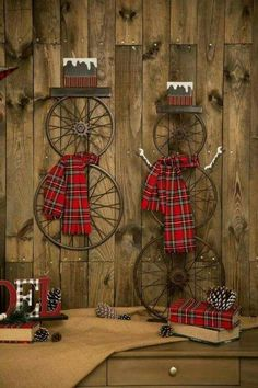 Spruce up the outside of your house with outdoor Christmas decorating ideas. Have a look at these ideas for outdoor Christmas decorations. Outdoor Christmas, Rustic Christmas, Winter Christmas, All Things Christmas, Christmas Time, Christmas Wreaths, Christmas Design, Christmas Island, Diy Exterior Christmas Decorations