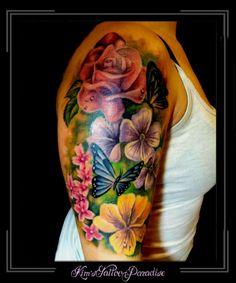 Tattoo   Kim's Tattoo Paradise vlinders bloemen bovenarm