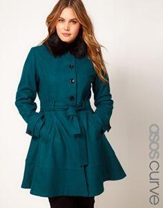 Vergrößern ASOS CURVE – Ausgestellter Mantel mit Kunstpelzkragen