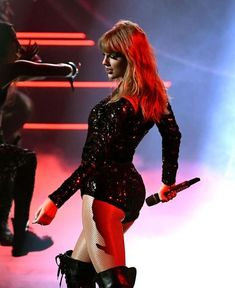 Taylor Swift performing I Did Something Bad at the American Music Awards, Taylor Swift Music, All About Taylor Swift, Taylor Swift Hot, Taylor Swift Style, Sagittarius Girl, Ethel Kennedy, Taylor Swift Pictures, American Music Awards, Lady And Gentlemen