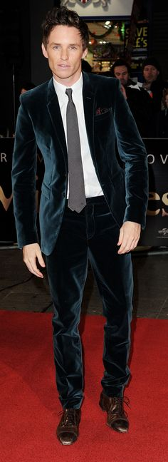 Eddie Redmayne wearing Burberry tailoring to the Les Miserables premier in London